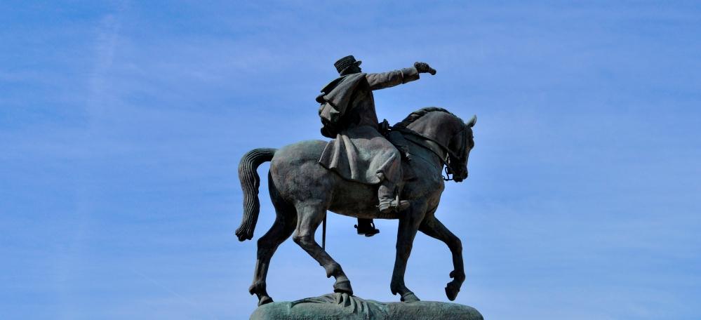 DeGaulle Statue 2